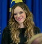 A Killer Press Conference with Danielle Panabaker